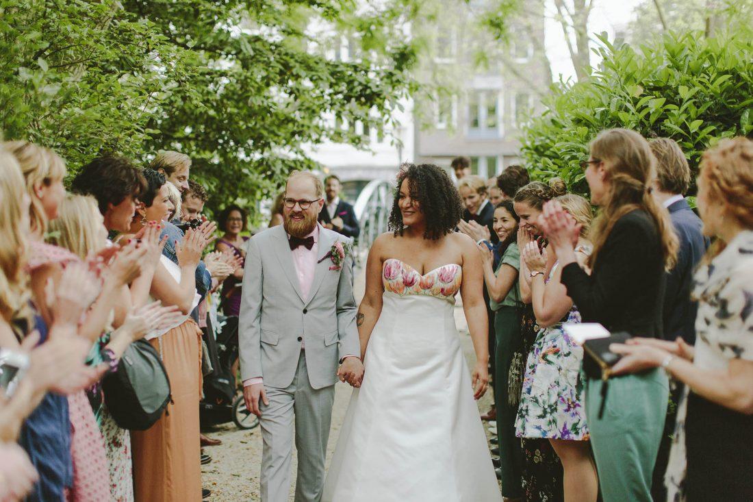 bruidsjurk met bloemenprint